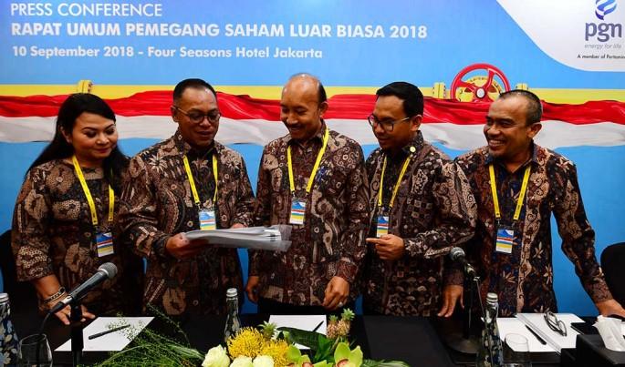 Komisaris Utama PGN bersama Jajaran Direksi PGN usai gelar RUPSLB.Foto/Roni.M/ECONOMICZONE