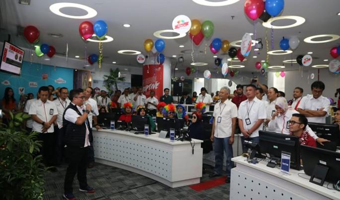 Jajaran Direksi TelkomGroup mendengarkan penjelasan kesiapan posko Siaga Natal 2018 dan Tahun Baru 2019 (NaRu) di Posko Layanan Business & Enterprise Telkom, Senin (31/12).Foto/Telkom/ECONOMICZONE