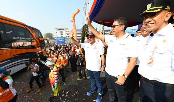 Pelepasan Mudik Gratis bersama IPC Grup 2019 dilakukan secara simbolik oleh Direktur Utama IPC, Elvyn G. Masassya, di Terminal 2 JICT, Pelabuhan Tanjung Priok, hari ini (Rabu, 29/5).Foto/Roni.M/ECONOMICZONE