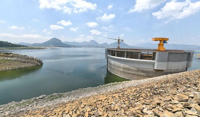 Perum Jasa Tirta II selama pengabdian 52 Tahun telah melakukan berbagai bentuk kegiatan antara lain pengelolaan air yang 90 persennya digunakan untuk mengairi kawasan pertanian lebih dari 240.000 hektar di Jawa Barat.Foto/Roni.M/ECONOMICZONE