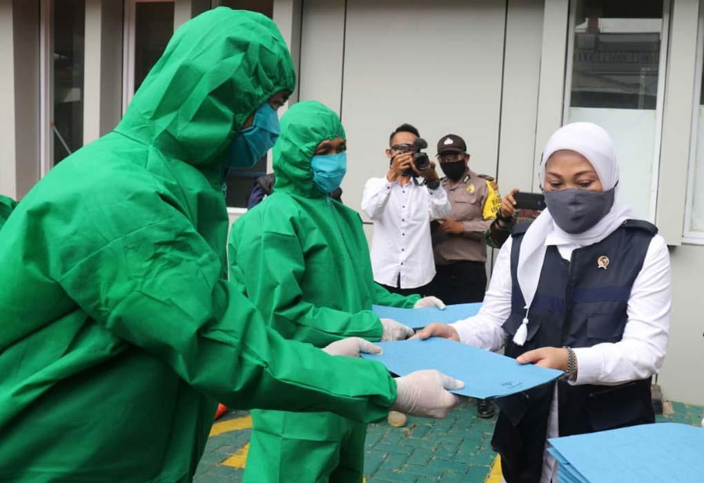 Menaker Lakukan Penyemprotan Ulang Disinfektan Jelang Pemberlakuan New Normal