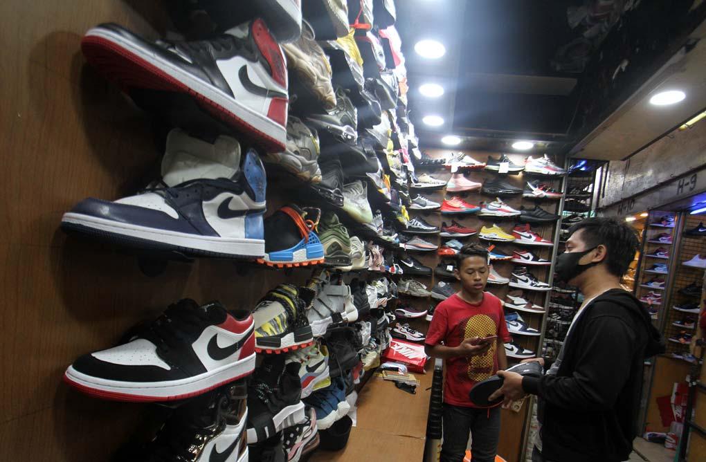 Pemerintah Tekan Impor Sepatu