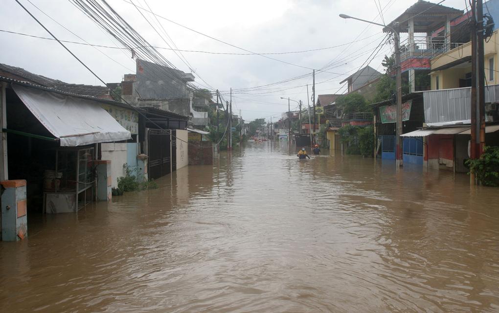 Perum Pondok Gede Permai Terendam Banjir