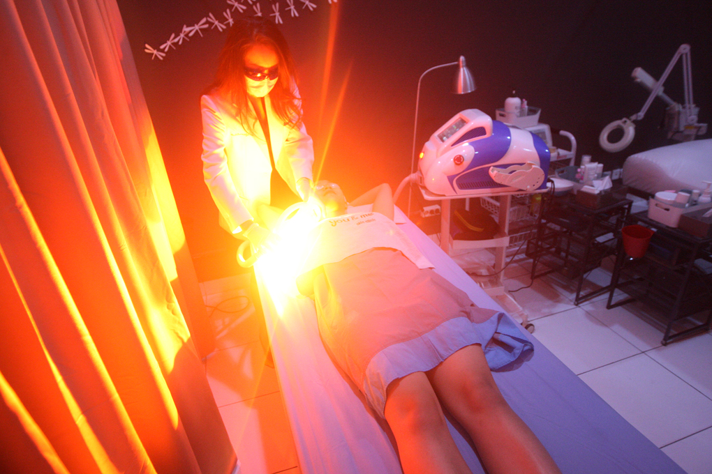Mengintip Perawatan Kecantikan di You & Me Skin Clinic