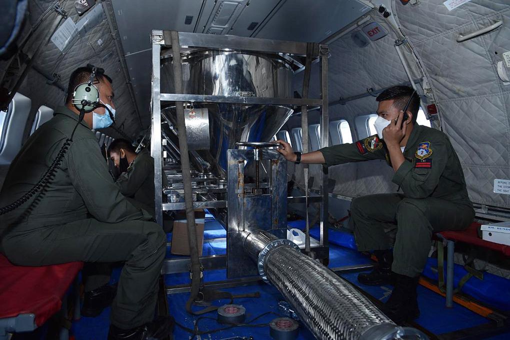 Atasi Banjir Ibukota, TNI AU dan BPPT Lakukan Modifikasi Cuaca