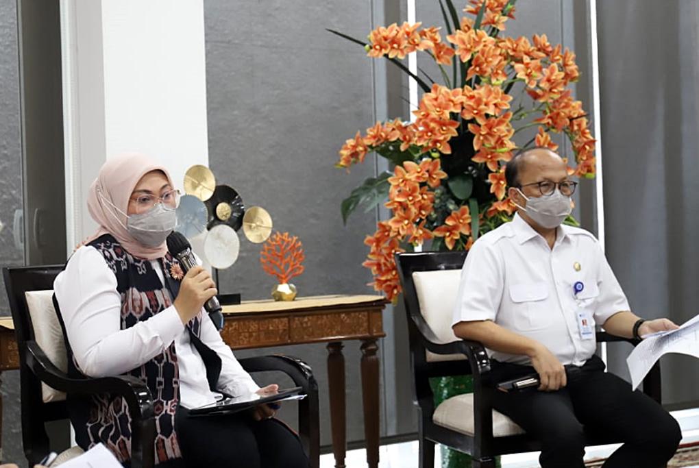 Menaker Ida Terbitkan Surat Edaran THR Keagamaan 2021, THR Wajib Dibayar Penuh