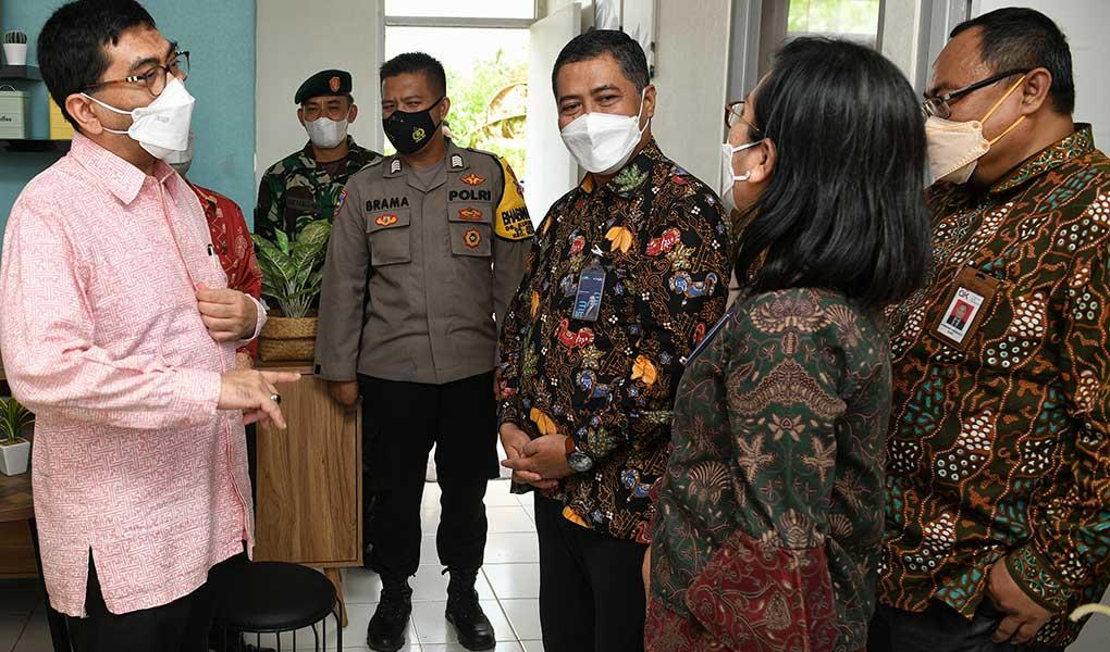 Serahkan Kunci Rumah Ke ASN Lampung