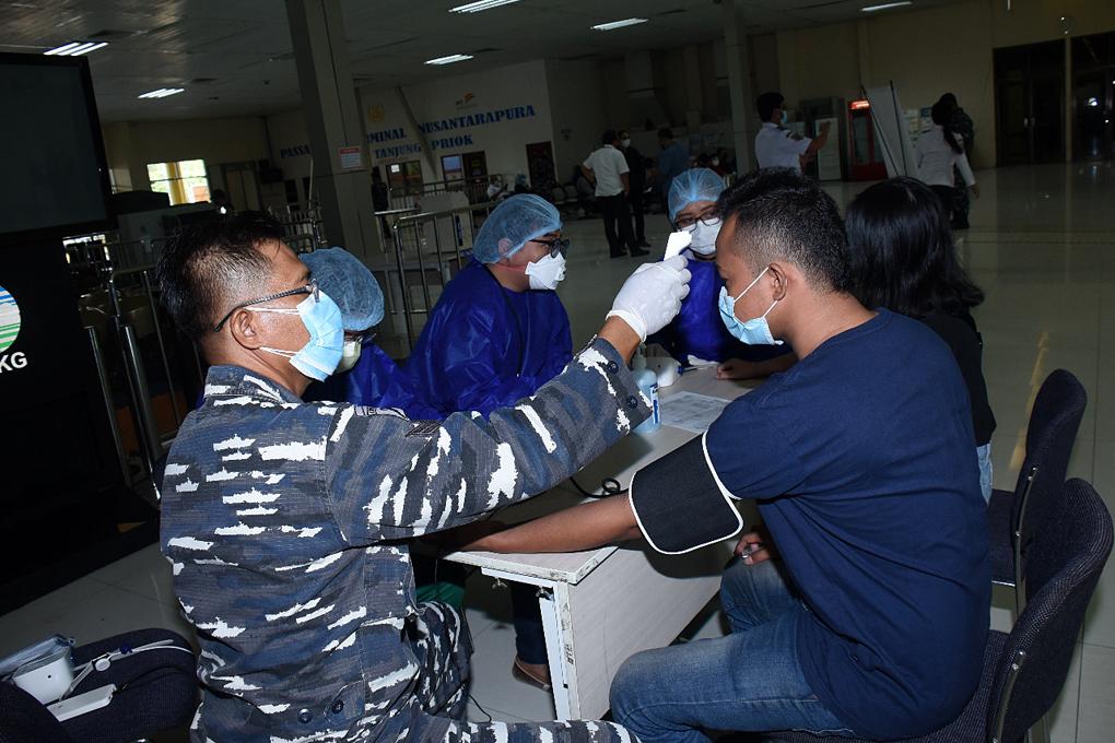 TNI AL Bersama PT Pelindo II Gelar Serbuan Vaksinasi di Pelabuhan Tanjung Priok