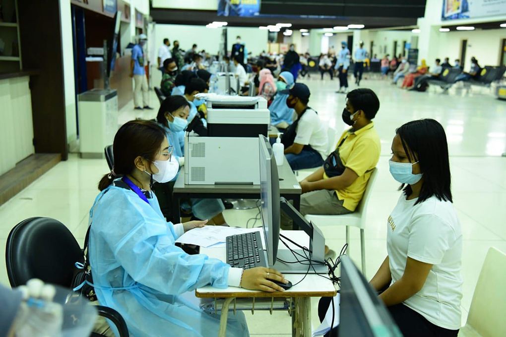 Animo Masyarakat Tinggi Ikuti Serbuan Vaksinasi di Bandara Soekarno Hatta