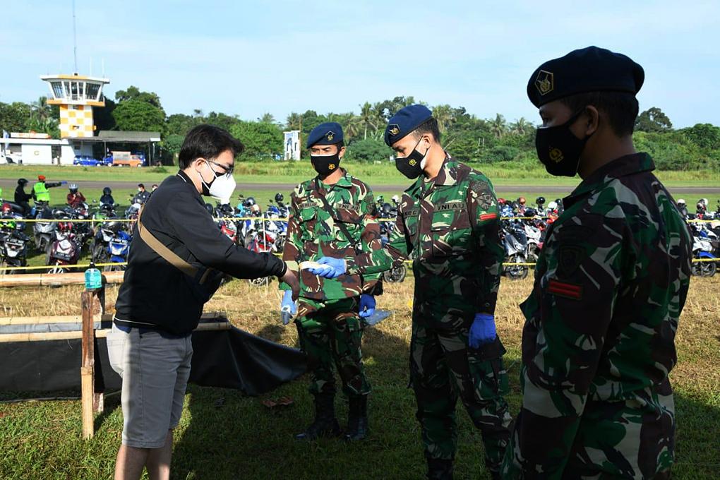 Kasau Tinjau Serbuan Vaksin di Markas Satuan Elite TNI AU Satbravo 90