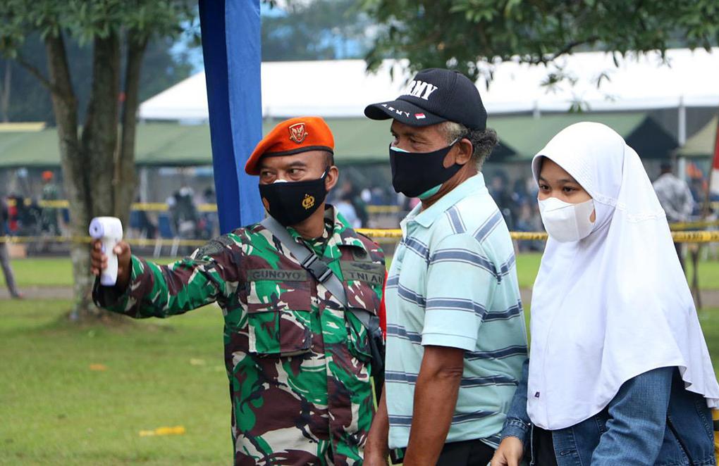 Semangat Tenaga Kesehatan TNI AU dalam melayani Masyarakat untuk Vaksin