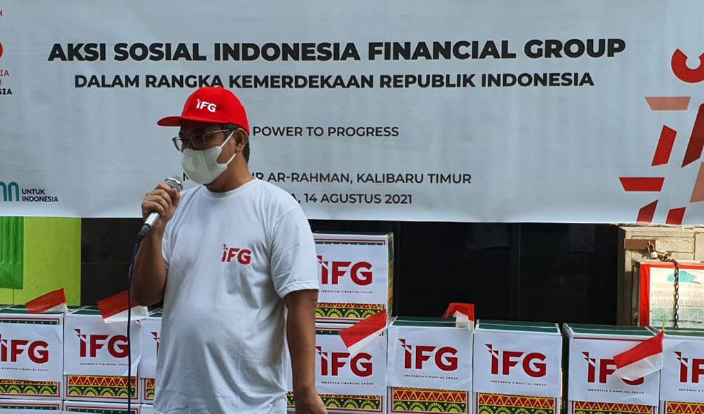 Peringati HUT RI ke 76 IFG Bagikan 100 Paket Sembako di Kampung Nelayan