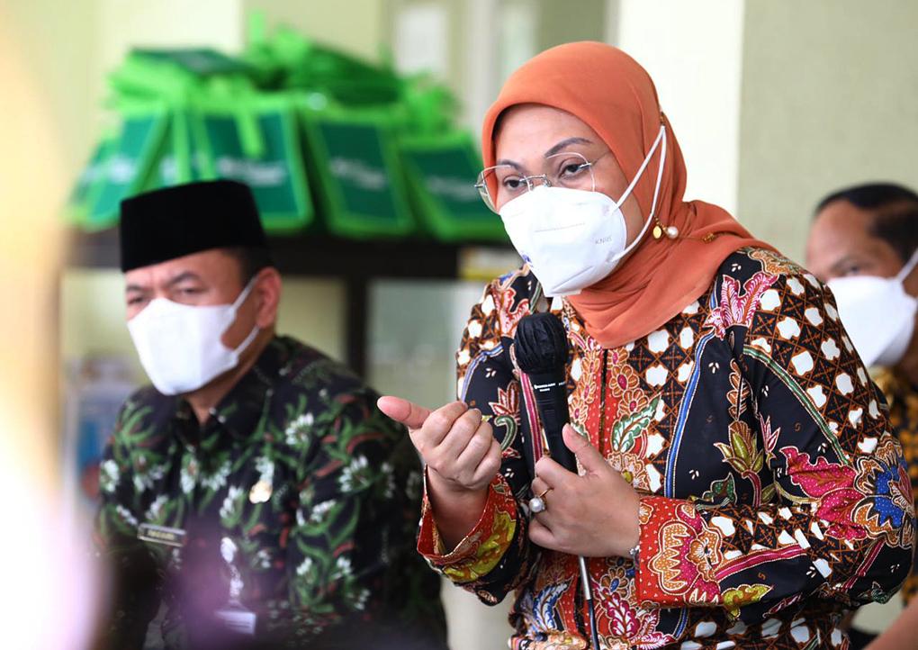 Hadapi Dampak Pandemi, Menaker Ida Sapa Pekerja Perempuan di Rusunawa Ungaran