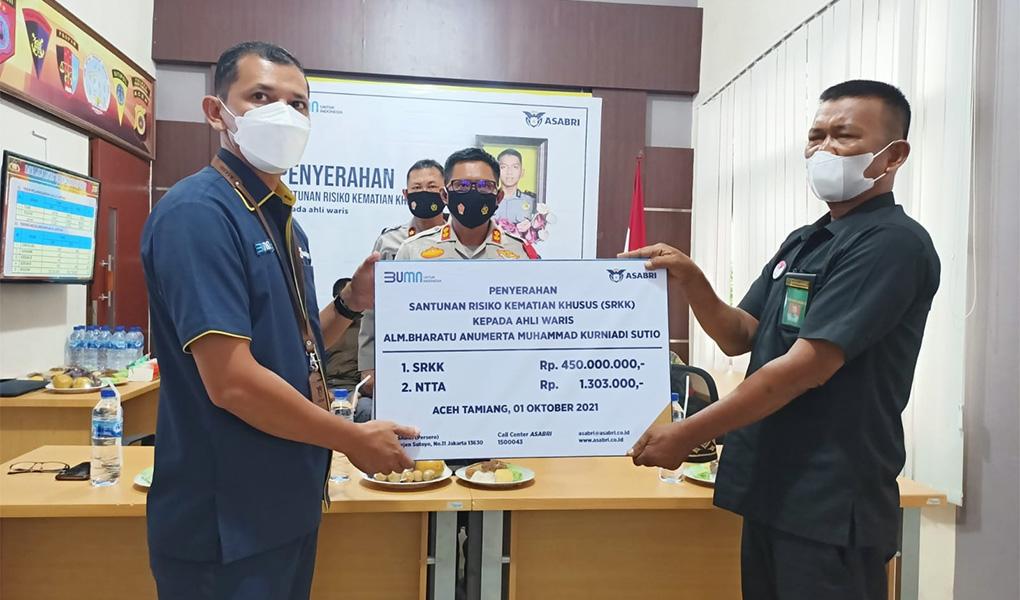 ASABRI Serahkan Santunan Untuk Prajurit Yang Gugur di Kiwirok Papua