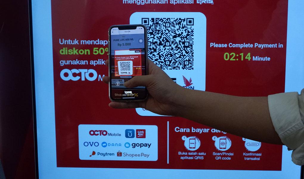 Belanja Sehat dan Aman di OCTO Vending CIMB Niaga