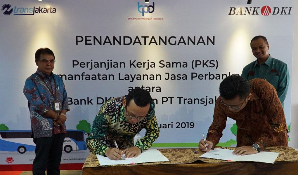 Pemanfaatan Layanan Jasa Perbankan Di Lingkungan Transportasi