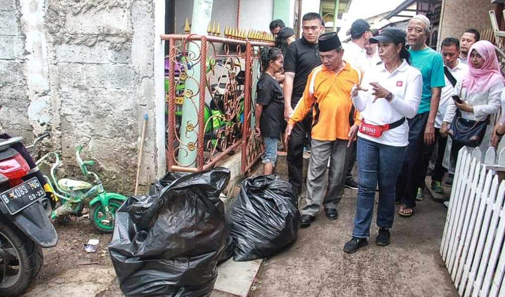 BUMN Bersih-Bersih Lingkungan