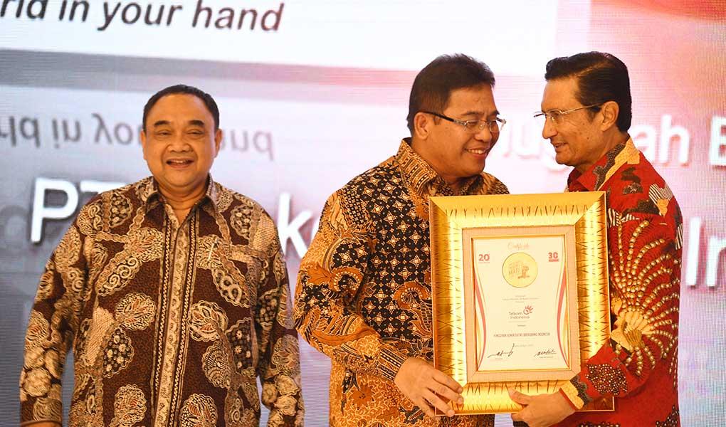 Telkom Terima Penghargaan Indonesia Maju