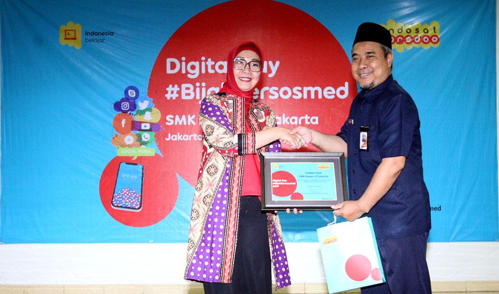Indosat Ooredoo menggelar roadshow program CSR BijakBersosmed Di 25 kota