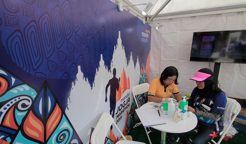 Mandiri Inhealth Cek kesehatan Peserta Mandiri Jogja Marathon 2019