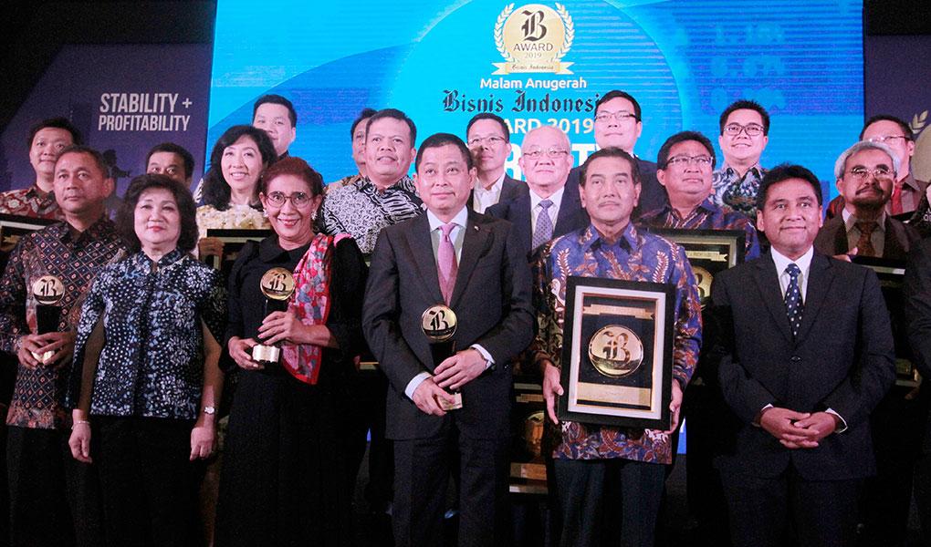 Bank BRI Raih Dua Penghargaan
