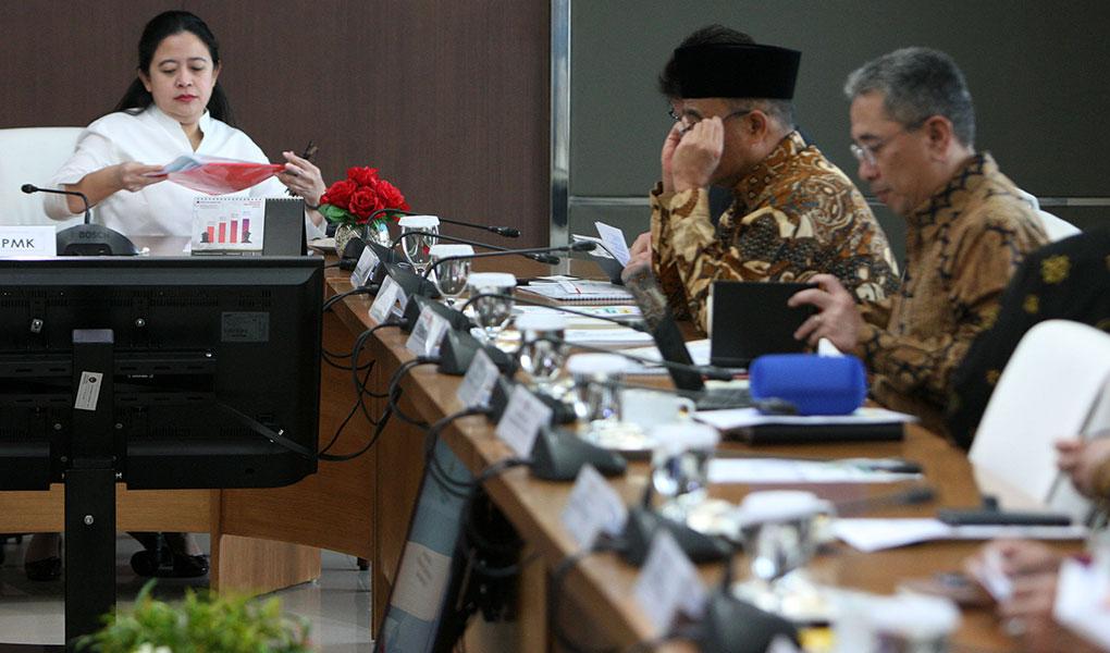 Menko Puan Maharani Pimpin Rakor Penanganan Pengungsi Papua