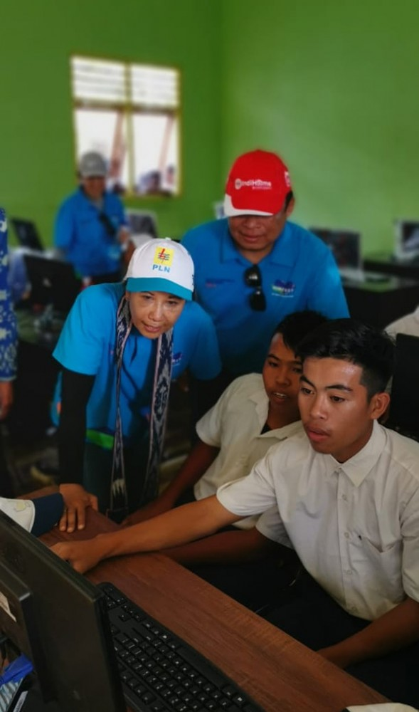 Bantuan Broadband Learning Center Dan Sambungan Elektrifikasi
