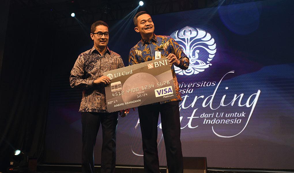 BNI Terima Penghargaan Dari Universitas Indonesia