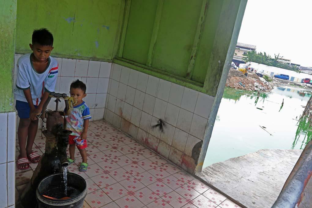 Kampung Apung Di Jakarta