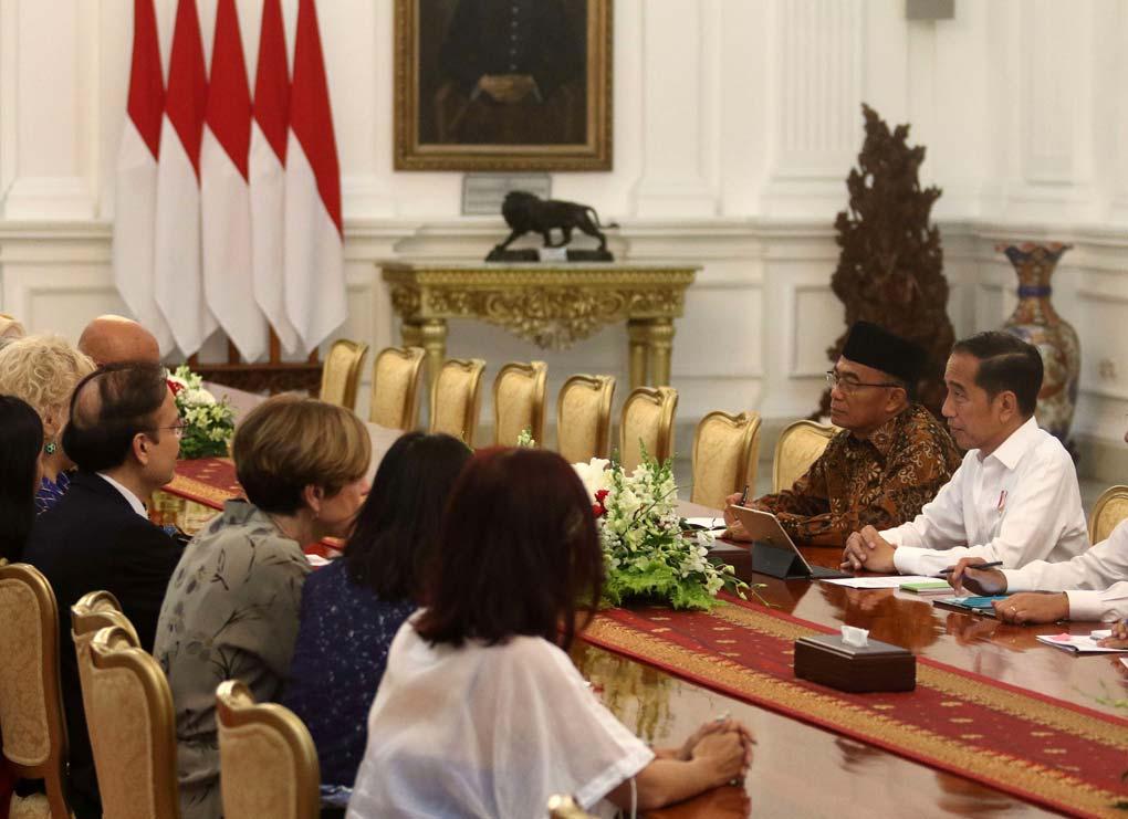 Presiden Jokowi Terima Delegasi Aksi Stop TBC Dunia