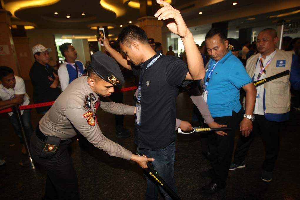 Kongres V PAN Memanas, Aparat Kepolisian Perketat Pejagaan