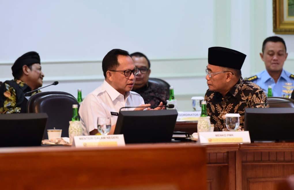 Presiden Jokowi Pimpin Ratas Ketersedian Bahan Baku Bagi Industri Baja dan Besi