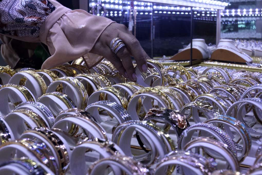 Virus Corona Membuat Harga Emas turun